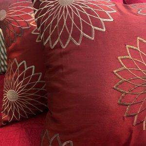 Embroidered Accent Pillows (Set of2)